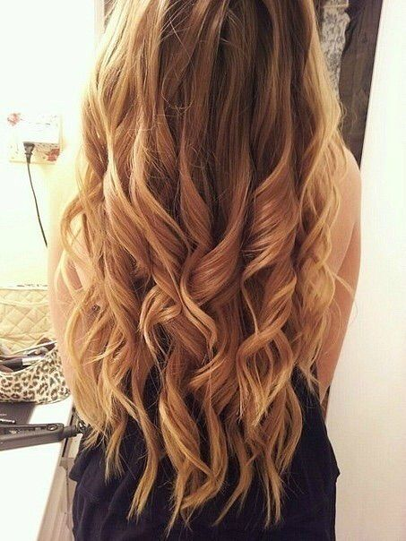 These loose ringlet curls looks great for elegent partys, hanging out at the mall, and even going to the beach.