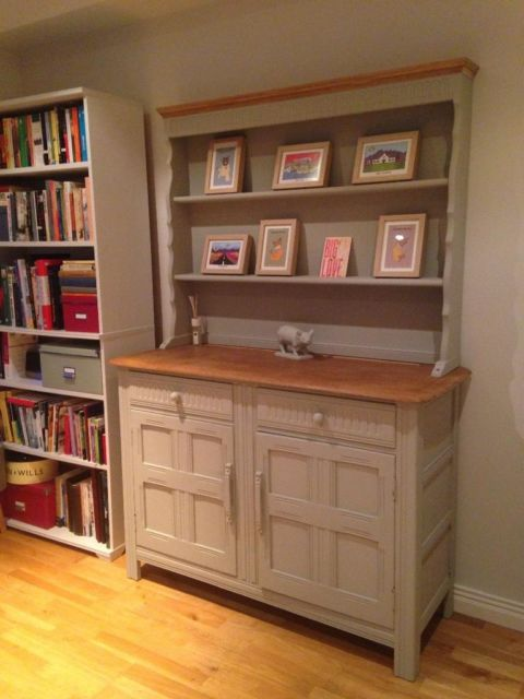 Annie sloan paris grey welsh dresser cabinet belmont for Kitchen cabinets gumtree