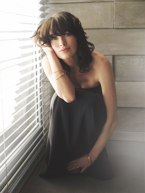 """""""There's nothing more exciting for an actor than a chance to lose,to be someone who has lost - especially if it's someone who starts off with a veneer of control. To be broken is wonderful."""" (Endless list of perfect people: Lena Headey)"""