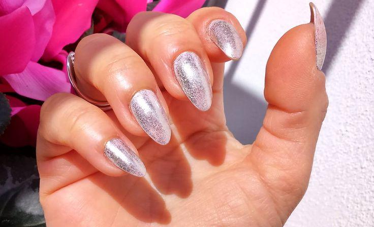 Unghie effetto specchio Essense Blossom Dreams mirror effect nail pigment 2