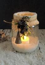 Van een lege glazen pot kun je dit mooie sfeerlicht maken. Een uitleg en meer voorbeelden staan op mijn blog Homemade by Joke.