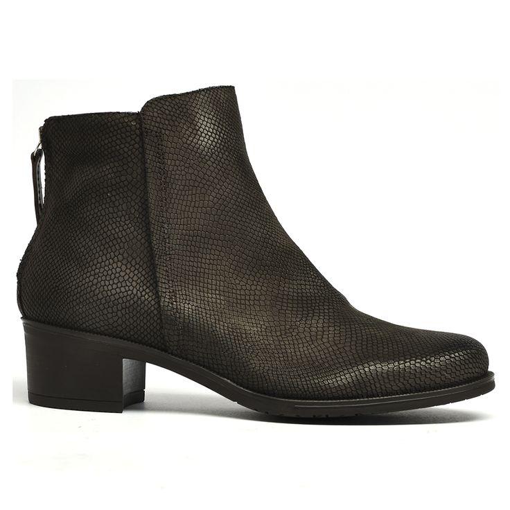 Waterly by Wonders #boot #boots #leather #style #fashion #cinori #wonders