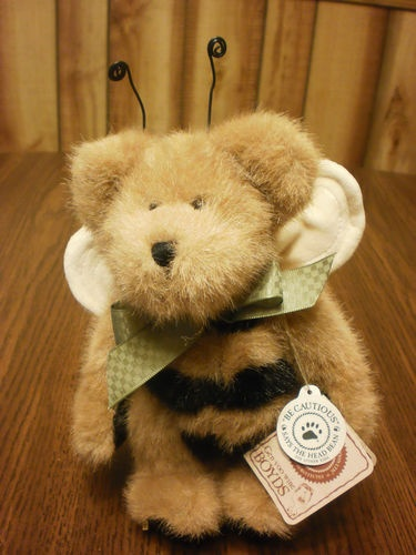Boyds Bears Plush Beesley Buzzoff #99877V with tags