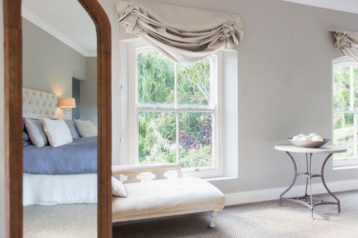 Anche una camera da letto piccola può essere accogliente e funzionale, basta stare attenti a come si utilizza lo spazio a disposizione