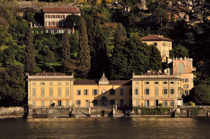 Villa Taverna | Torno #lakecomoville: