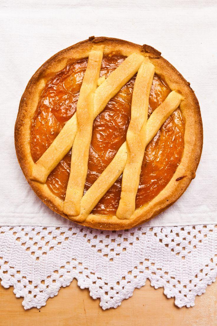 Crostata con marmellata all'albicocca
