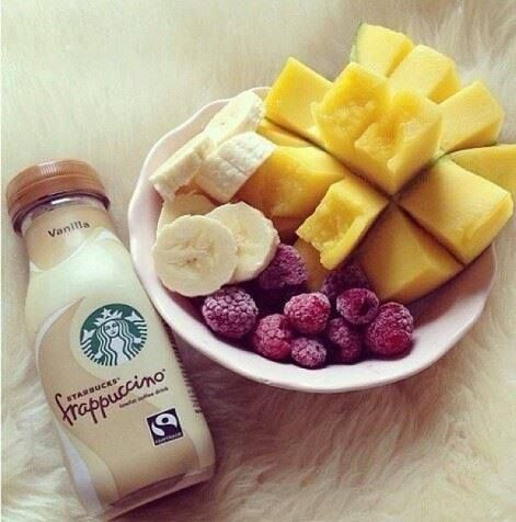 Frappuccino and fruit ♥