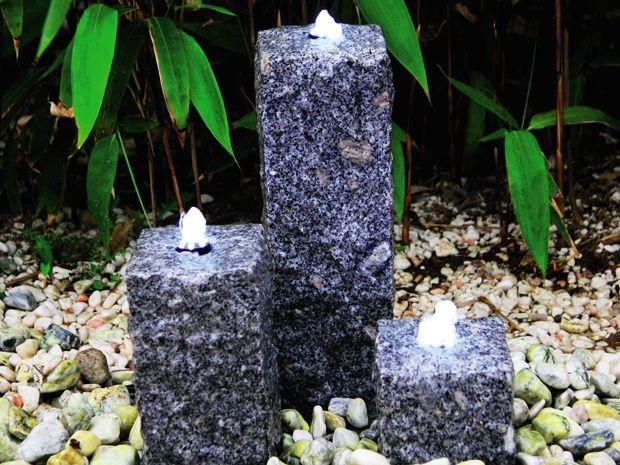 der dekorative und winterfeste gartenbrunnen sandy besteht aus drei quellsteins ulen aus grauem. Black Bedroom Furniture Sets. Home Design Ideas