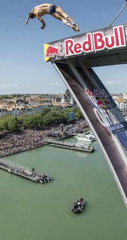 Work out like a professional red bull cliff diver red workout and tips - Red bull high dive ...