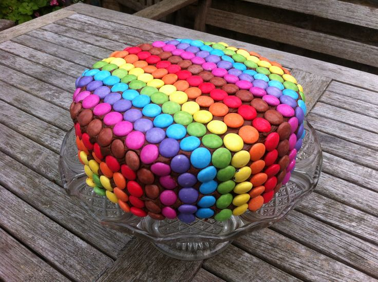 1000 images about smarties cake on pinterest pinata for M m cake decoration