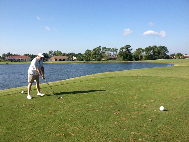 Brett enjoys a round of #golf, supporting #Dwyer High School's #Baseball Team #Fundraiser