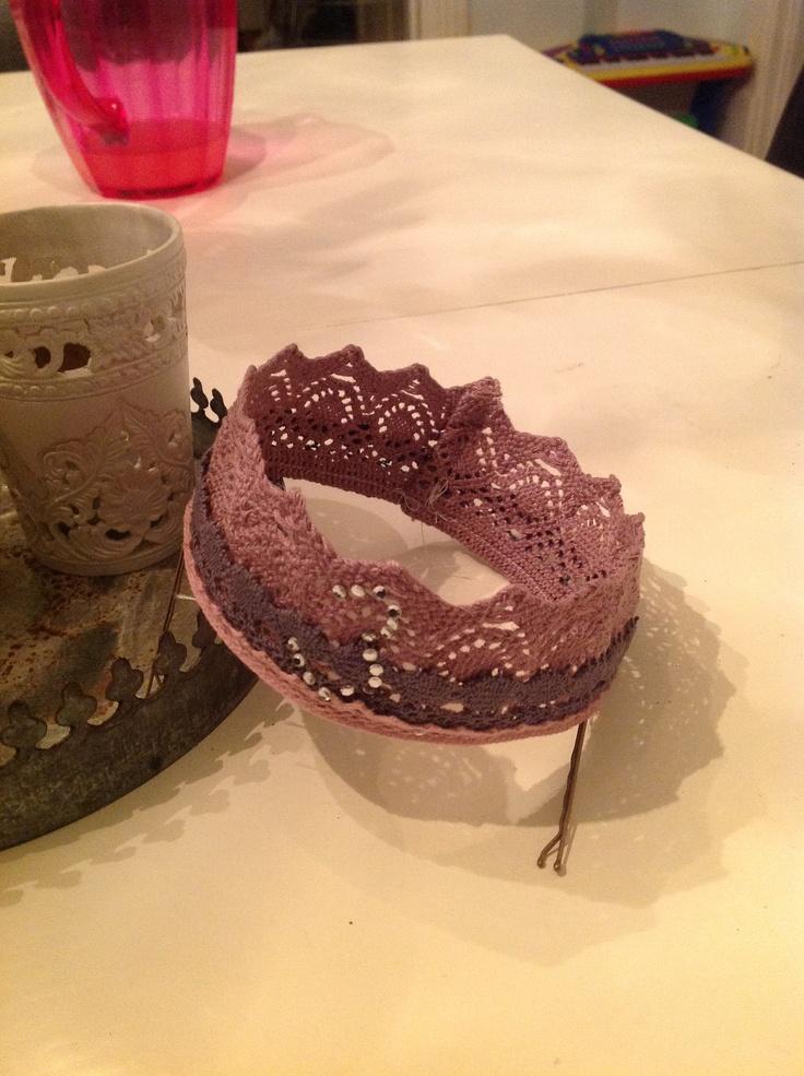 Bursdagskrone. Veldig enkel å lage. :) Birthday crown. Very simple to make. :)