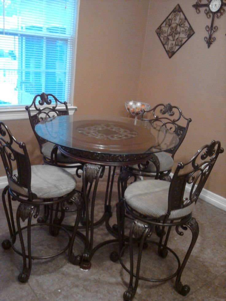 Wrought Iron Breakfast Table With Four Chair Stools In Ros3s Garage Sale Houston TX