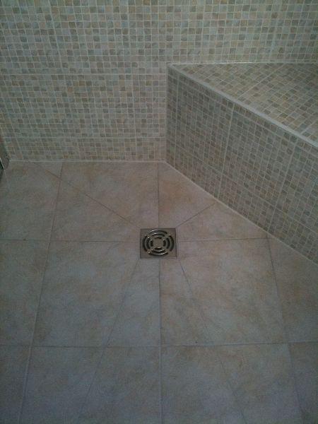 Les 25 meilleures id es concernant receveur de douche sur for Realisation douche italienne sans receveur