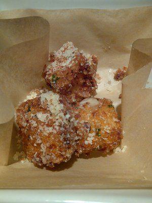 Romano's Macaroni Grill Copycat Recipes: Mac and Cheese Bites
