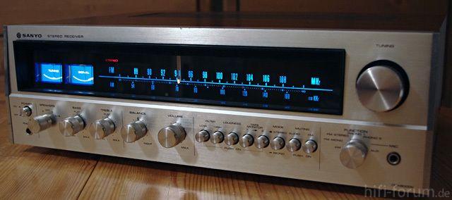O melhor Receiver Vintage de Sempre Be2d6ad7f0a336dd4b101fffac96202f--techno-radio
