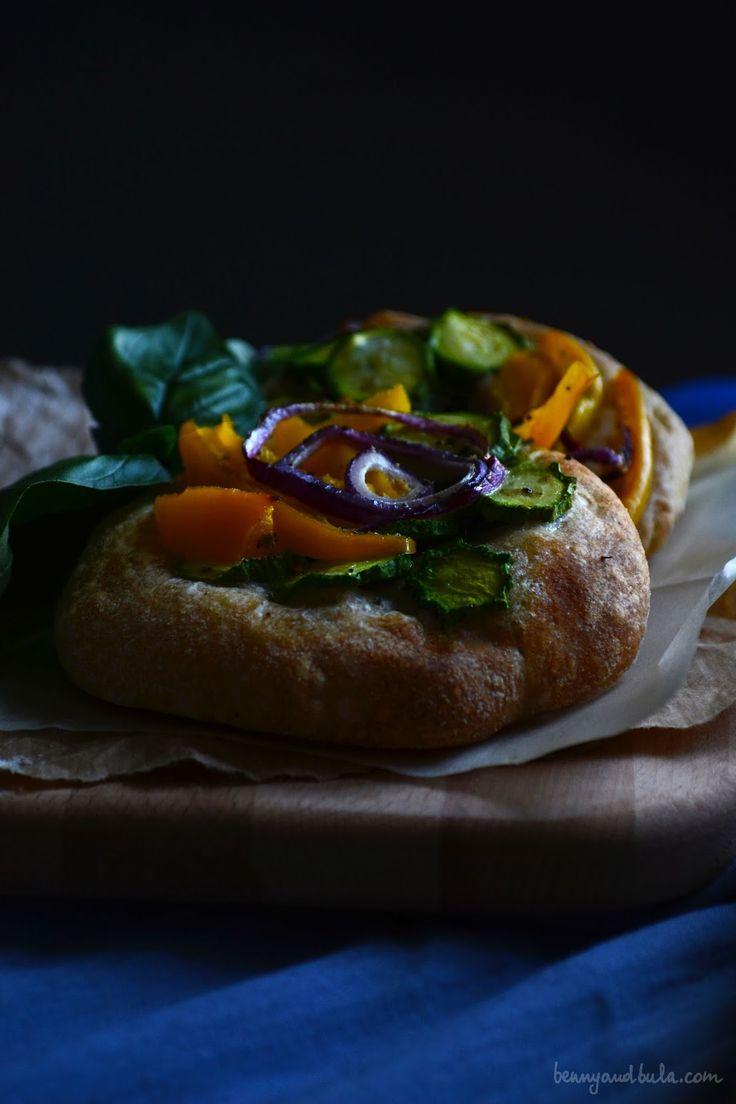 Whole Spelt Flour Pizzette with summer vegs (Vegan recipe) / Ricetta Pizza al Farro integrale