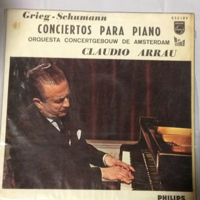 Arrau performing one of the best piano concerts (Concerto Op. 16 in A minor by Grieg)