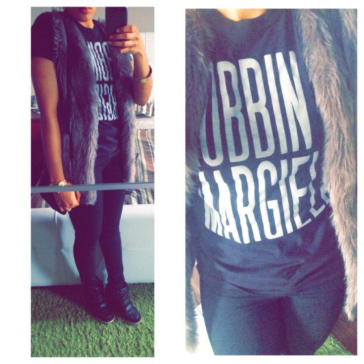 Mobbin in Margiela! Tshirt: Aritzia    jeans: Zara    fur vest: Vero Moda    wedge sneakers: Urban Outfitters    crossbody: Kenneth Cole