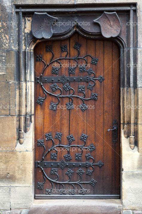 Las 25 mejores ideas sobre antiguas puertas de madera en for Puertas antiguas de derribo