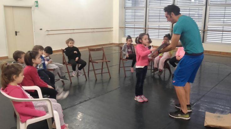Una lezione di Musical Weekend Kids a Roma. Impariamo l'inglese e viviamo la nostra passione per il Musical!  #scuoladimusical #englishlessons #ViviLaTuaPassione