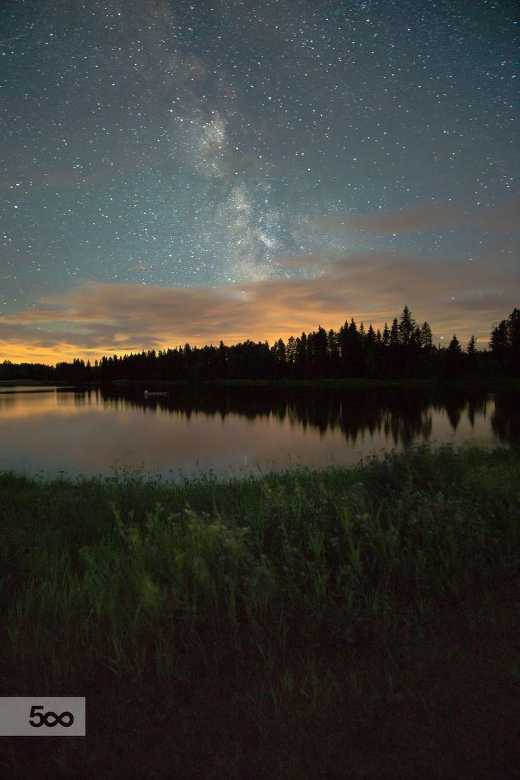 Milky Way over Kramer Pond Lodge, Alberta, Canada by Jamil Kara on 500px