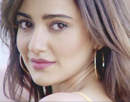 Ishq Mubarak Lyrics: A romantic song from Bollywood musical film Tum Bin 2, The song Ishq Mubarak is sung by Arijit Singh and originally song by Ankit Tiwari, lyrics penned by Manoj Muntashir and m…