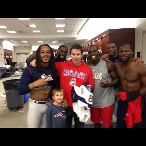 Mark Wahlberg with the patriots after dominating the texans #PatsNation