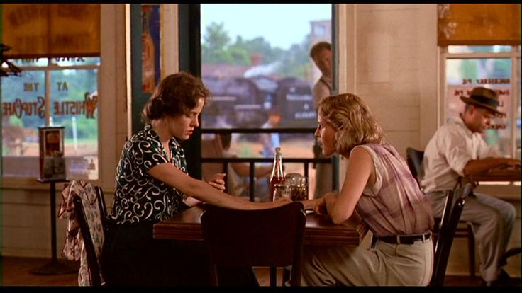 MOVIE OF THE DAY: FRIED GREEN TOMATOES   Playing poker...! :0)
