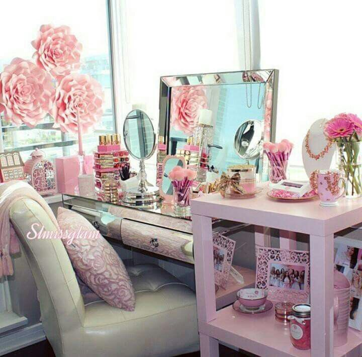 140 best images about dressing rooms and dressing tables for Beauty parlour dressing table images
