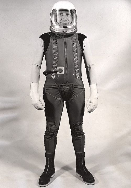 astronaut farting in space suit movie - photo #43