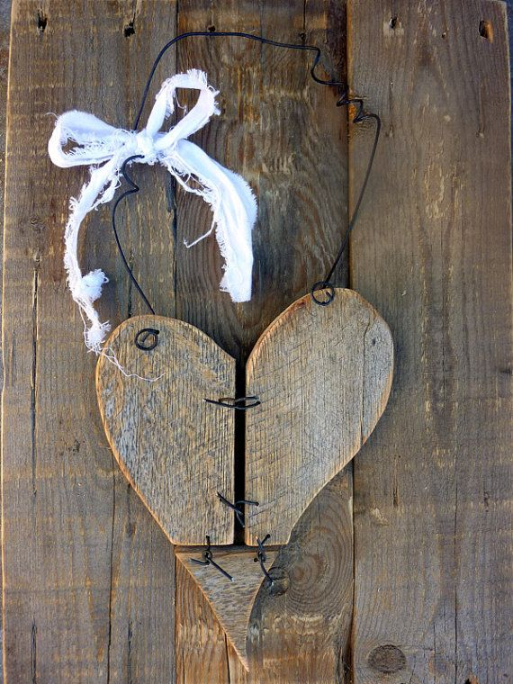 Rustic reclaimed wood heart decor w/barbed wire effect
