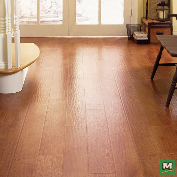 Reinvent Your Family Room With Milverton Laminate Flooring Accented With An Amber Oak Finish Real Woodlaminate