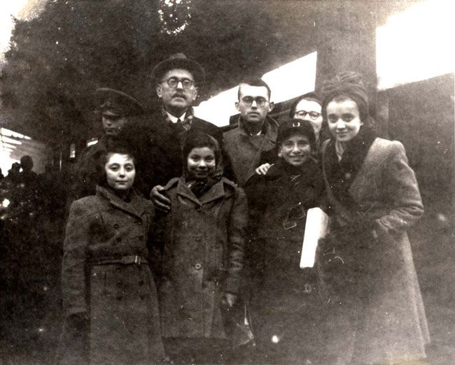The Romanian government allowed for the return to Romania of Jewish orphans under the age of 12 on 12/11/43.