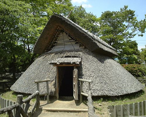 Model of a Yayoi hut in Toro Park japan