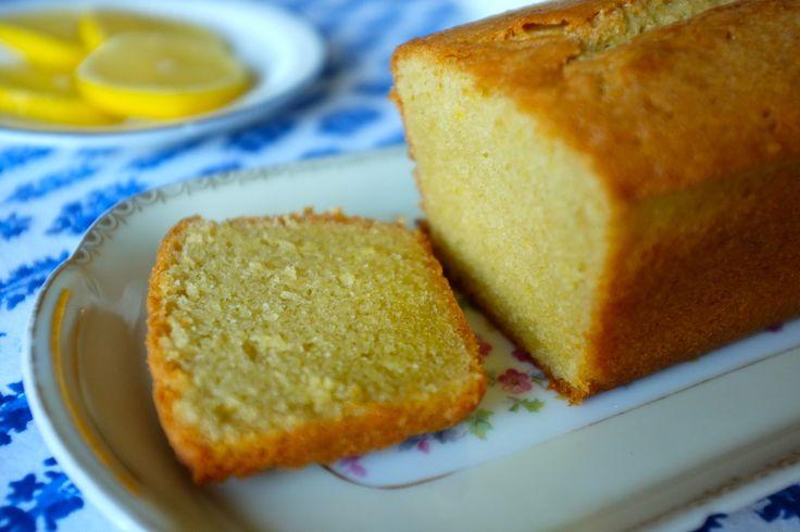 cake sans gluten au citron: farines sans gluten, poudre d'amande, citron