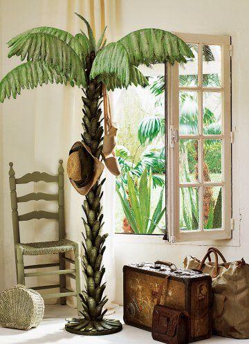 Un portemanteau en forme de palmier