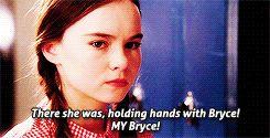 ¡¡Ahí estaba ella, tomada de la mano, con Bryce, mi Bryce!!