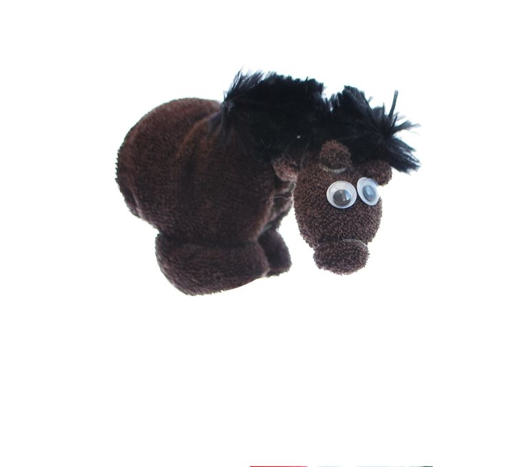 Baby washcloth horse made from two brown baby washcloths. A perfect creation for a baby shower gift or to put on top of a farm nappy cake. Perfect for a baby boy gift, baby girl gift or unisex baby gift. Or check out our farm nappy cakes which are already complete!