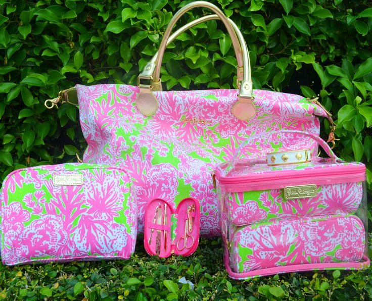 Lilly Pulitzer exclusive free presents with purchase- March 21 only