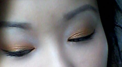 King's day. Orange eye makeup. Sleek snapshot
