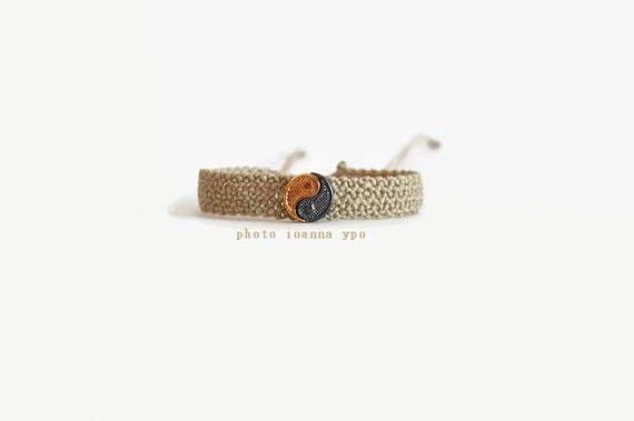 yin yang bracelet delicate macrame bracelet unisex gift for   #stekiapantou #ioannaypo #thessaloniki #syros #macramejewelry #macramejewellery #macramebracelet #macrameart #macramedesign #greekdesigner #jewelryartist #jewelryaccessories #egst #etsyunique #etsybracelet #etsybestsellers #etsyjewelryshop #etsyjewelryshopowner #etsyjewelry#etsyhandmade #etsygiftideas #yinyangbracelet
