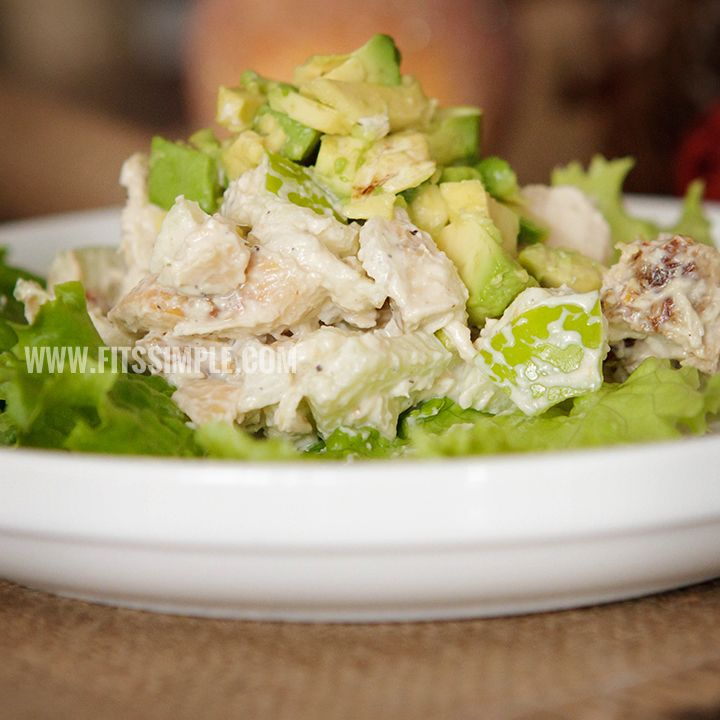 Looking for a clean chicken salad recipe? Something that doesn't have any mayo and is 21 day fix approved too? Check it out inside!!