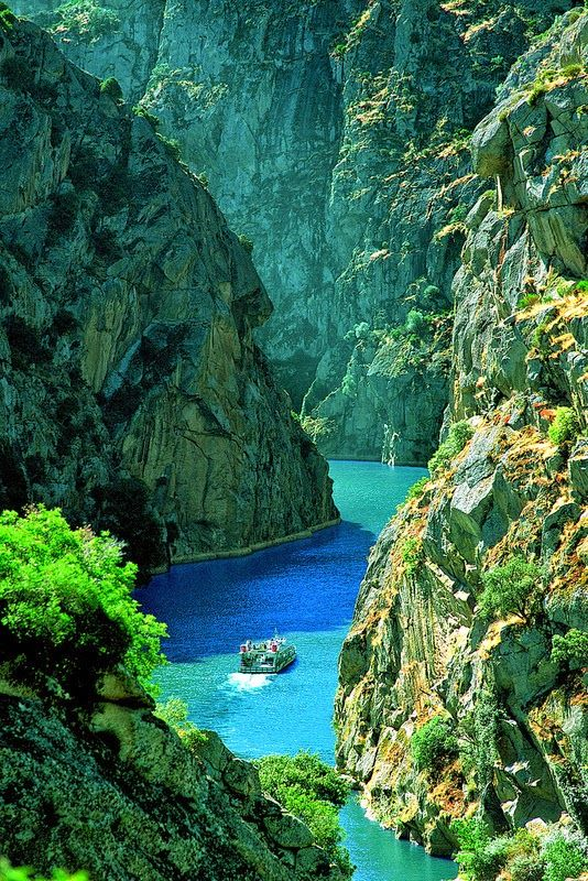 The Douro (Portuguese: Douro [ˈdowɾu, ˈdoɾu]; Spanish: Duero [ˈdweɾo]; Latin: Durius) is one of the major rivers of the Iberian Peninsula, flowing from its source near Duruelo de la Sierra in Soria Province across northern-central Spain and Portugal to its outlet at Porto.