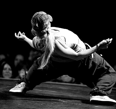 LAURE COURTELLEMONT! Brilliant. Inspiration. Find her on Youtube: https://www.youtube.com/user/CourtellemontLaure #dance #dancer #danceon