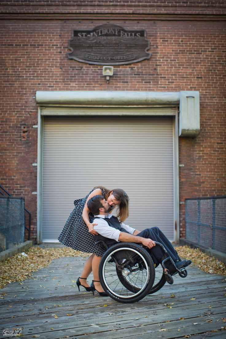 dating wheelchair guy Has anyone here ever dated a guy in a wheelchair i'm 27 years old and fairly good looking i do however have a hard time approaching women fear of.