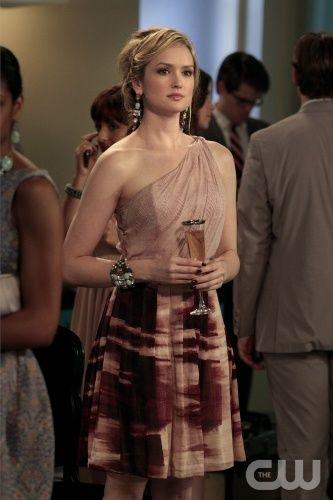 Ivy in Bensoni One Shoulder Dress on Gossip Girl