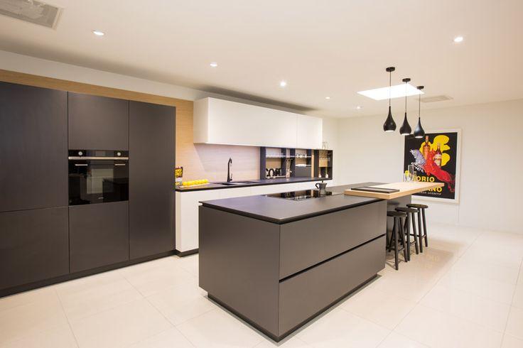 Modern Kitchen Design featuring Dekton Benchtop