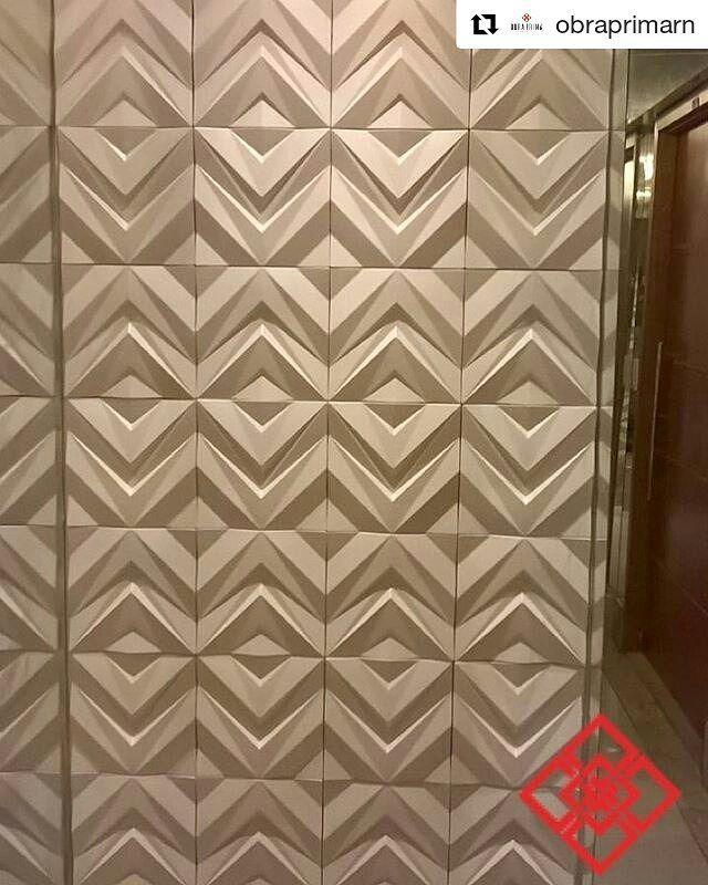 Revestimento Chevron #Repost @obraprimarn with @repostapp Projeto by @vanessaborges_arq com revestimento Chevron #simplesmenteperfeito #revestimentosespeciais #cimenticio #imaginepronto #chevron #naobraprimatem #3d #revestimento #cimenticio #concreto #interiordesign #instadecor #interiores #design #decor #maski #luxo #projetoTOP #parede #chevron