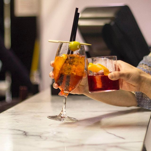 On Friday afternoons it's all about the cocktails at #MelbourneSocialCo! 🍹